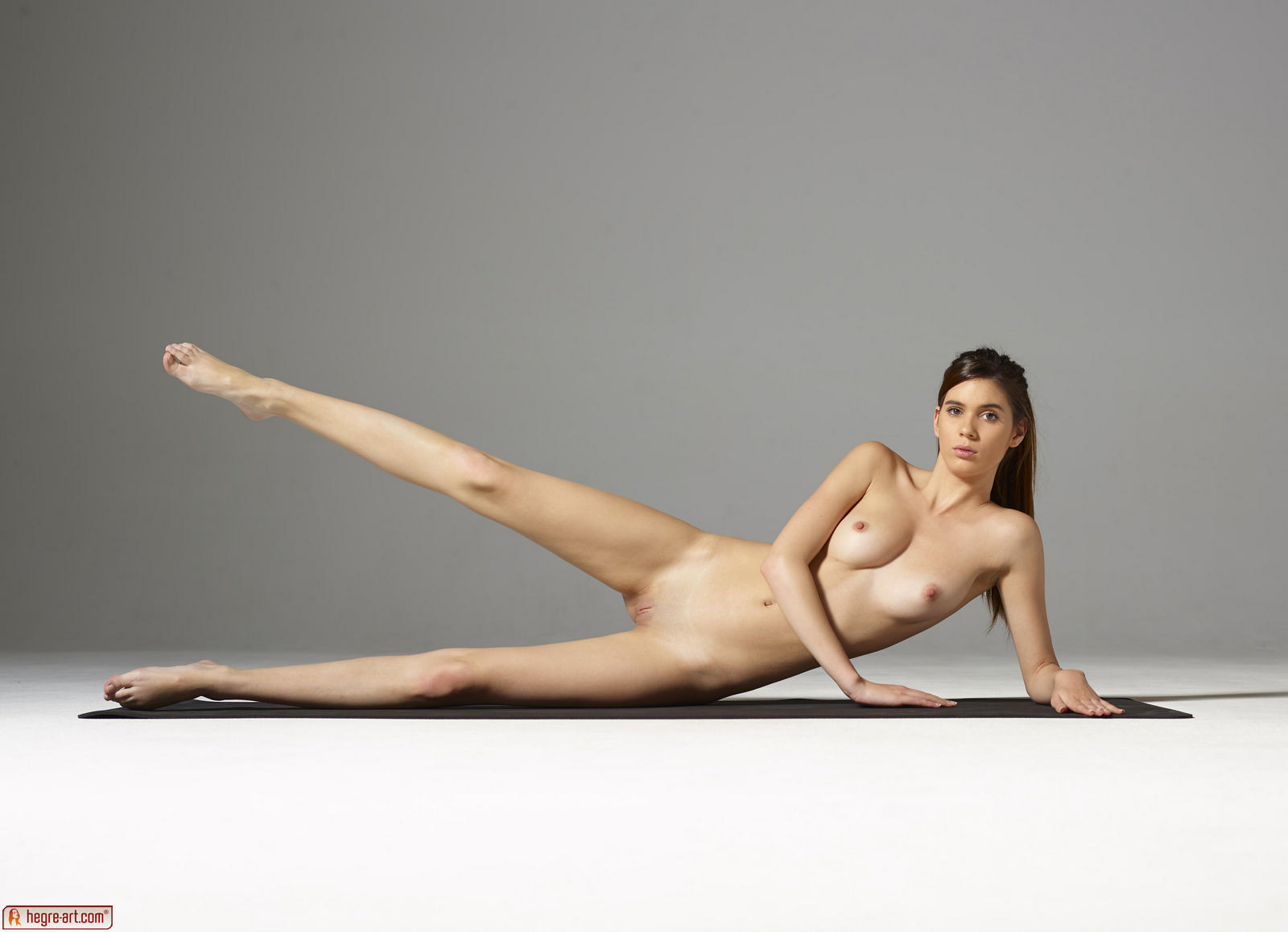 Naked people doing yoga-1484