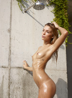 Amber in Outdoor Shower by Hegre-Art (nude photo 1 of 16)