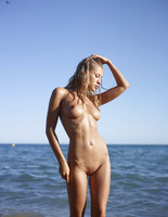 Darina L in Seaside by Hegre-Art (nude photo 8 of 16)