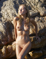 Darina L in Seaside by Hegre-Art (nude photo 15 of 16)