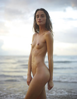 Cleo in Beach Nymph by Hegre-Art (nude photo 3 of 16)