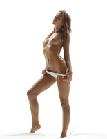 Amber in Hot Bod by Hegre-Art (nude photo 5 of 16)