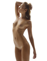 Amber in Hot Bod by Hegre-Art (nude photo 12 of 16)