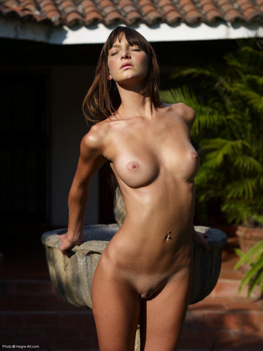 erotic nude flora by hegre art photos erotic beauties