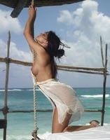 Nude Beauty Melissa (nude photo 2 of 16)