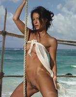 Nude Beauty Melissa (nude photo 4 of 16)
