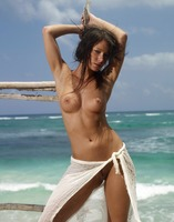 Nude Beauty Melissa (nude photo 15 of 16)