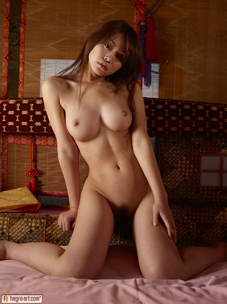 Beautiful Japanese Girl Naked