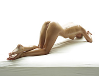 Darina L in Baby Oil by Hegre-Art (nude photo 5 of 16)