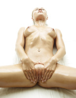 Darina L in Baby Oil by Hegre-Art (nude photo 12 of 16)