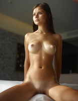 Venus in Window Light by Hegre-Art (nude photo 12 of 16)