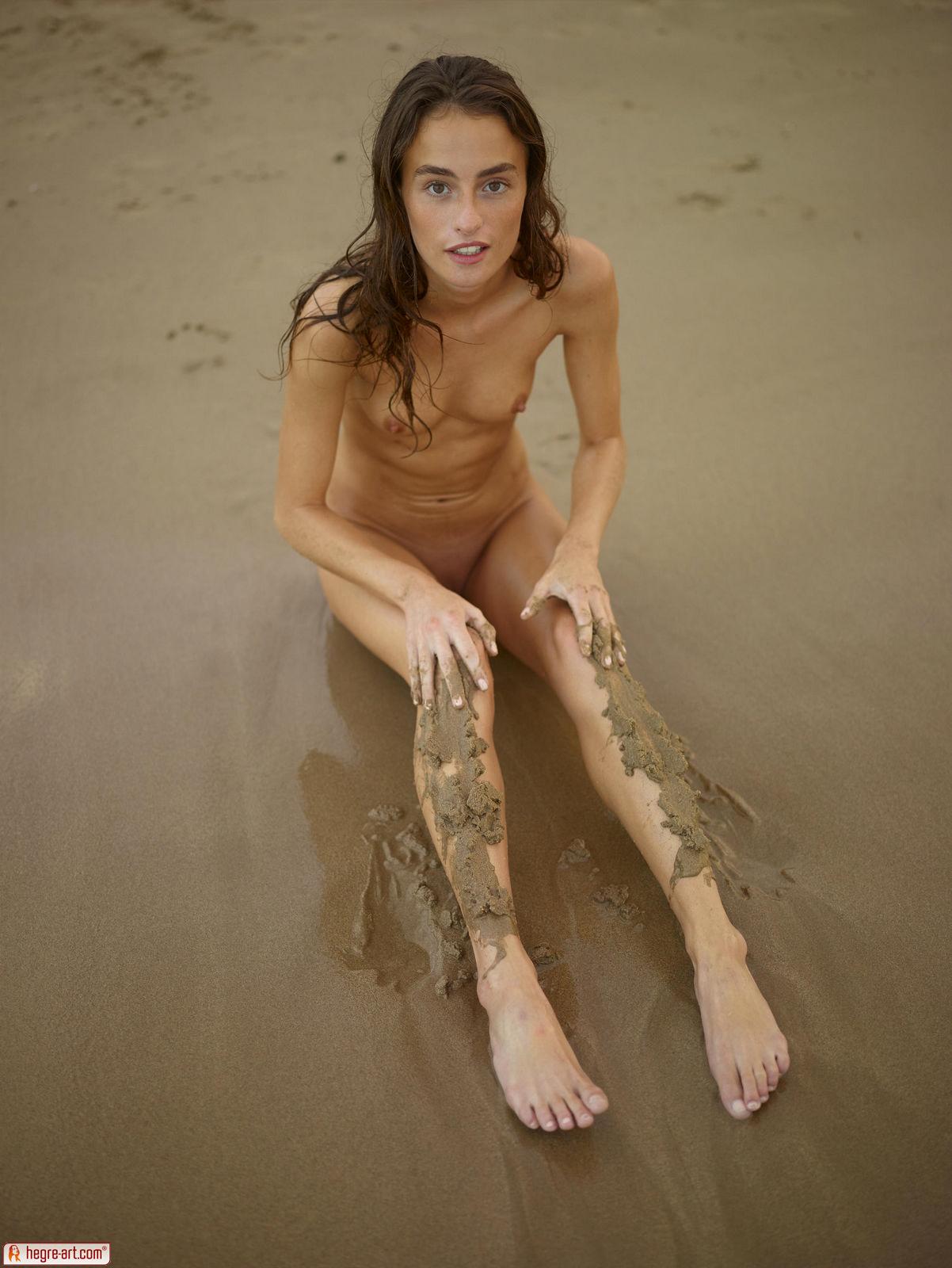 dirty-naked-beach-girls-online-ebony-lesbian
