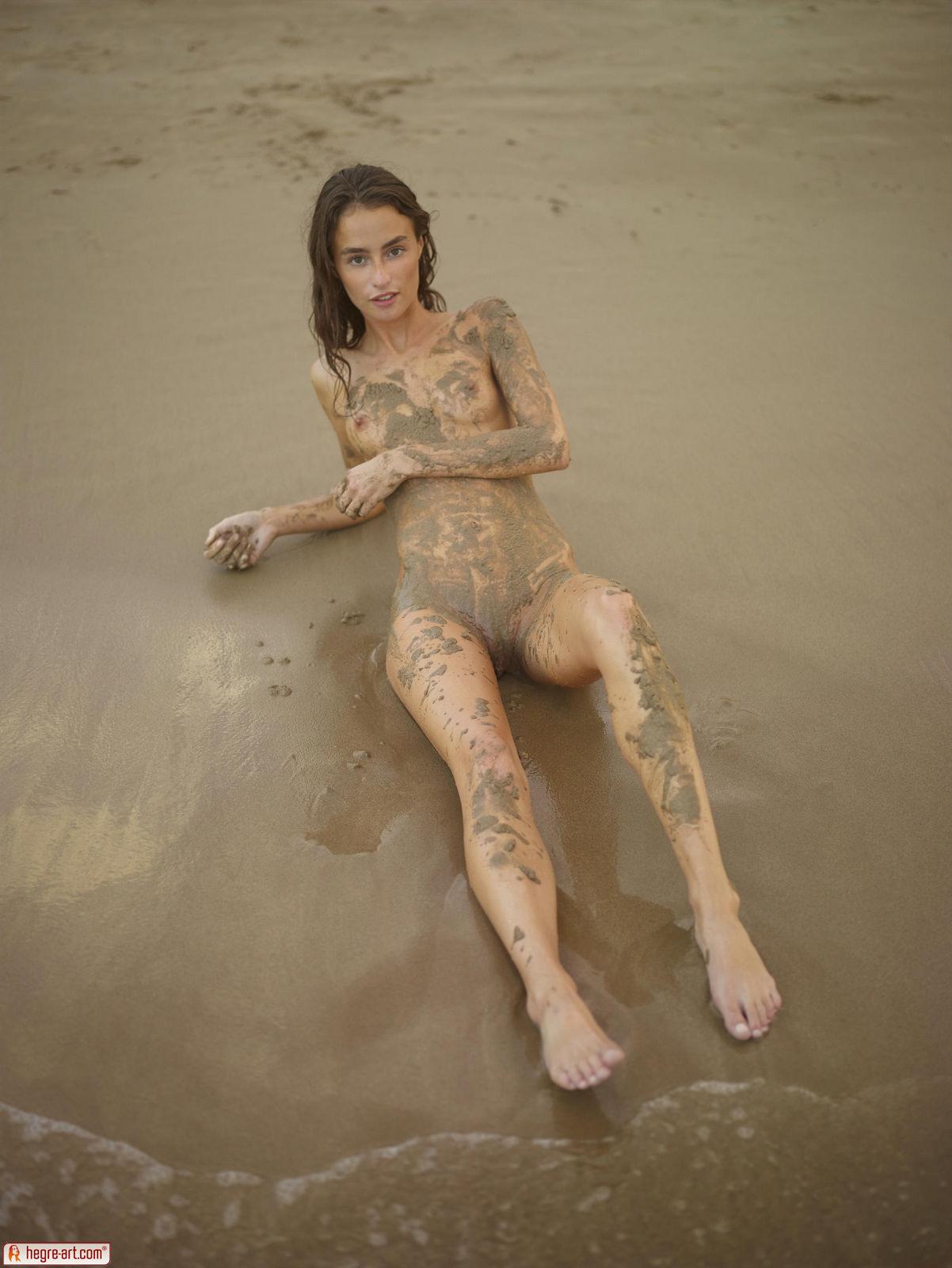 Cleo in Dirty Beach Bum by Hegre-Art (16 photos) | Erotic ...
