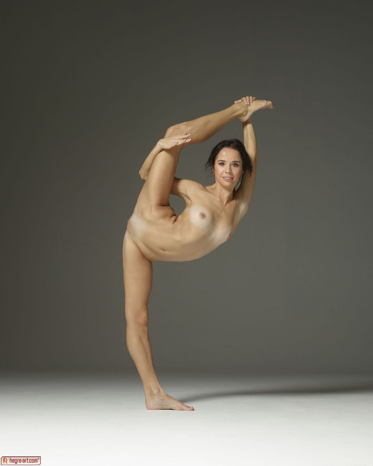 Naked Girl Contortionist