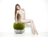 Emily Bloom in Pussy Pouffe by Hegre-Art (nude photo 2 of 12)
