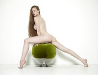 Emily Bloom in Pussy Pouffe by Hegre-Art (nude photo 5 of 12)