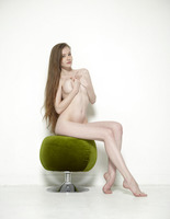 Emily Bloom in Pussy Pouffe by Hegre-Art (nude photo 7 of 12)