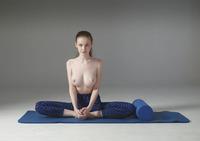 Emily Bloom in LA Fitness by Hegre-Art (nude photo 1 of 12)