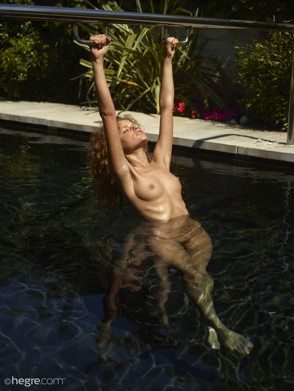 Julia In Pool By Hegre-Art 12 Photos  Erotic Beauties-9461