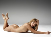 Amber in Body Beauty by Hegre-Art (nude photo 2 of 12)
