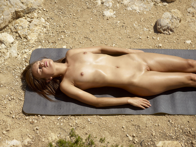 Daniela In Nudist Spy Photos By Hegre-Art 12 Photos  Erotic Beauties-8473