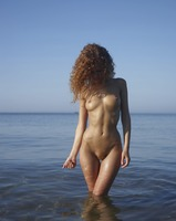 Julia in Horizon by Hegre-Art (nude photo 4 of 12)