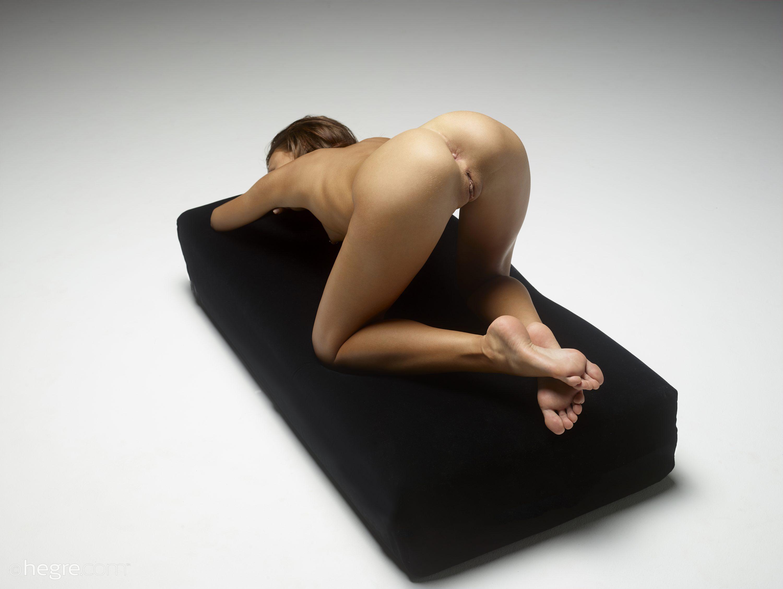 Karina In On Display By Hegre-Art 12 Photos  Erotic -7352