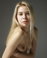 Margot in Portraits by Hegre-Art (nude photo 2 of 12)
