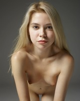 Margot in Portraits by Hegre-Art (nude photo 3 of 12)