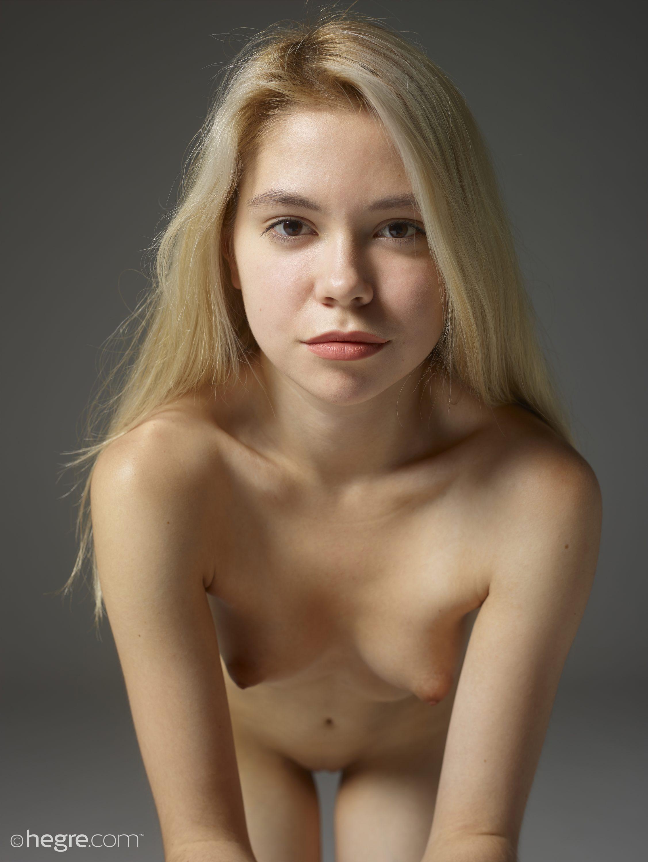 Naked Photo Website