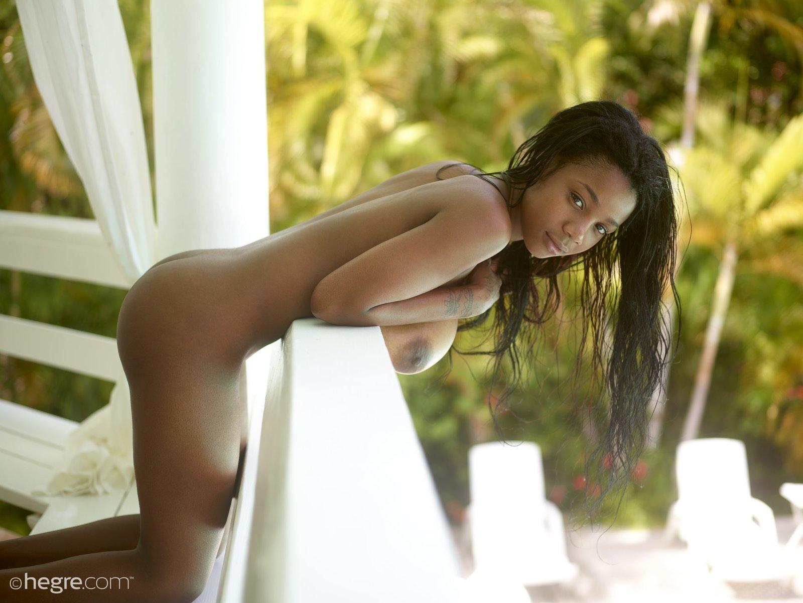 Female masturbate naked ass squirt