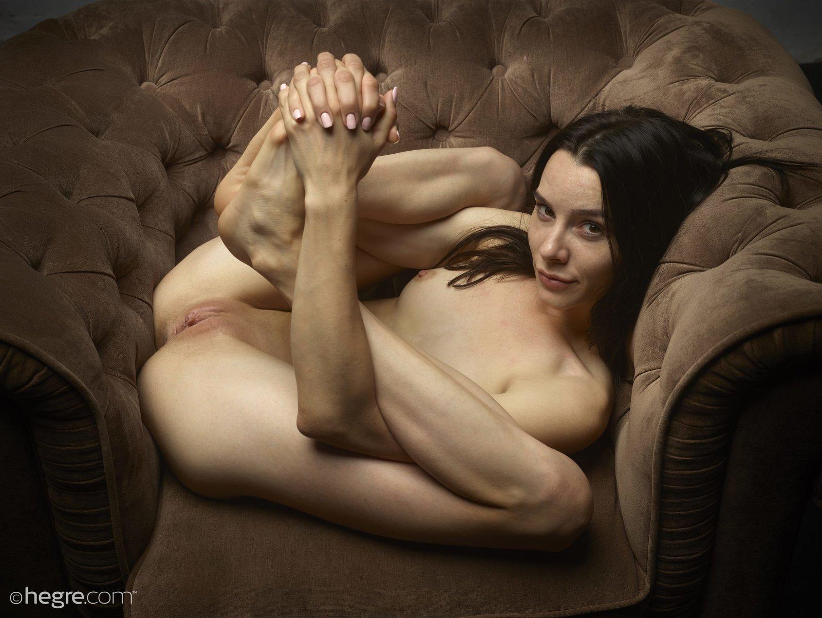 nudity lesbian pussy