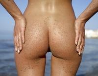 Julia in Public Nudity by Hegre-Art (nude photo 2 of 12)