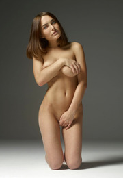 Adriana Hegre-Art