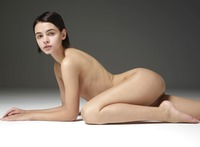 Ariel in Amazing Nudes by Hegre-Art (nude photo 2 of 12)