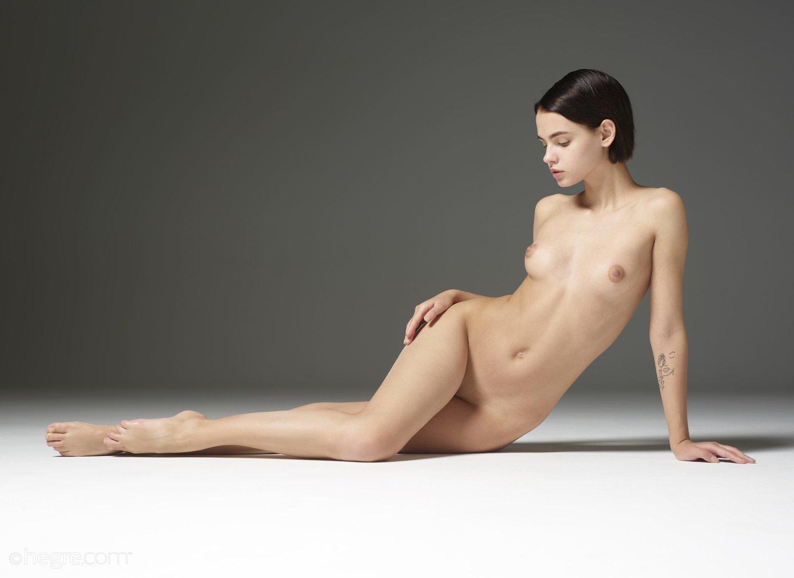 Laya leighton nude