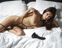 Cameron in Hot In Bed by Hegre-Art (nude photo 2 of 12)