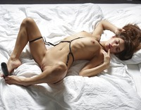 Cameron in Hot In Bed by Hegre-Art (nude photo 8 of 12)