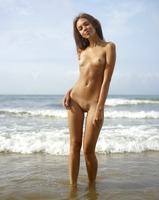 Karina in Beach Body by Hegre-Art (nude photo 5 of 12)