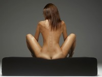 Karina in Living Art by Hegre-Art (nude photo 3 of 12)