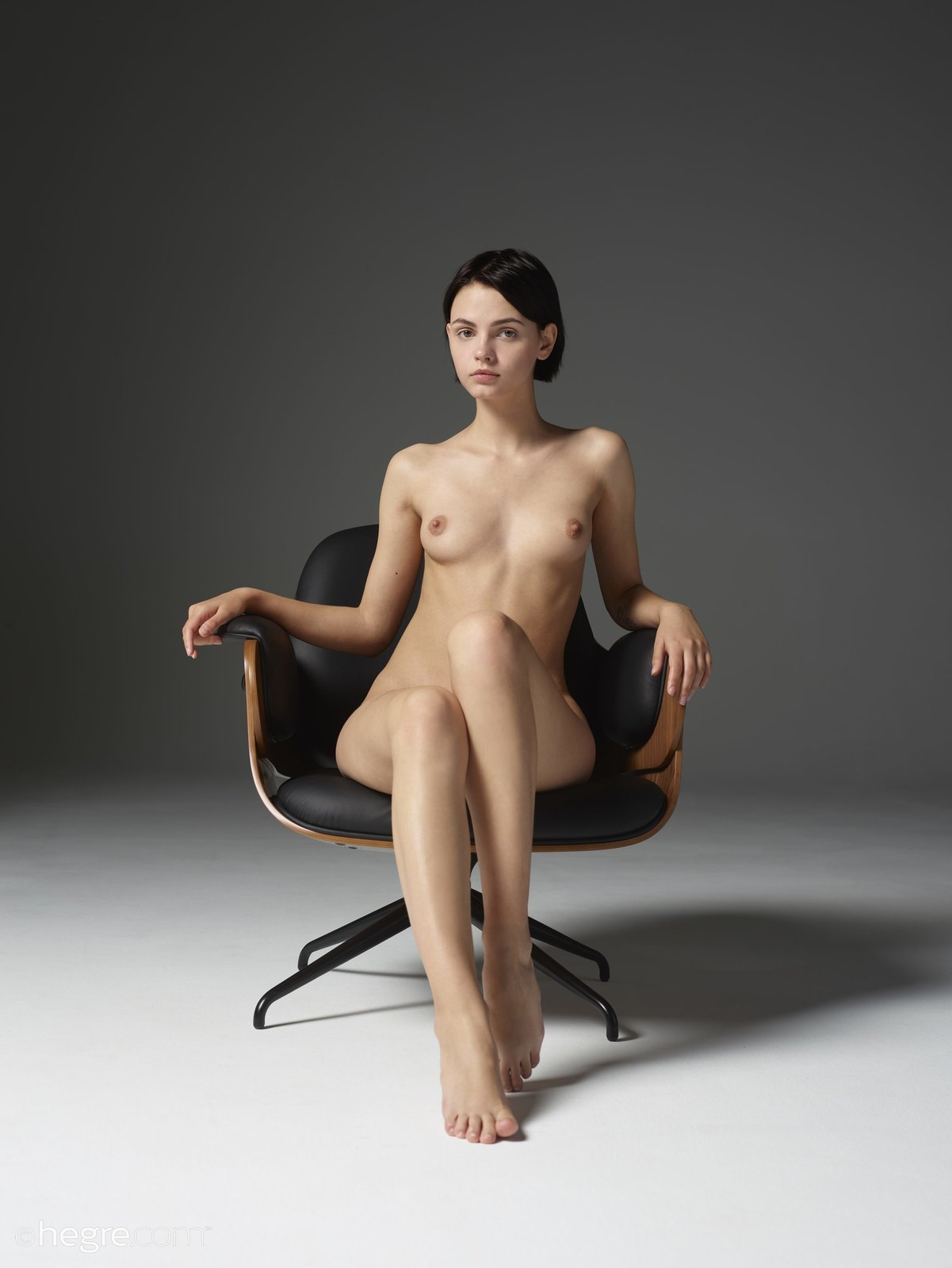 Ariel in Seated Beauty by Hegre-Art (12 photos) | Erotic ...