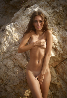 beachnudist-ibiza-girls