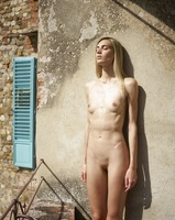 Francy in Tuscan Nudes by Hegre-Art (nude photo 9 of 12)