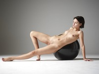 Ariel in The Body by Hegre-Art (nude photo 3 of 12)