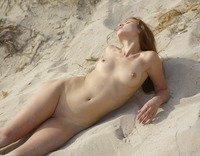 Jenna in Ibiza Nude Beach by Hegre-Art (nude photo 12 of 16)