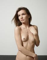 Veronika V in Top Model by Hegre-Art (nude photo 3 of 12)