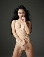 Belle in Naked Truth by Hegre-Art (nude photo 2 of 16)