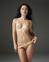 Belle in Naked Truth by Hegre-Art (nude photo 4 of 16)