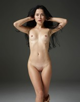 Belle in Naked Truth by Hegre-Art (nude photo 5 of 16)