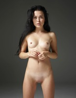Belle in Naked Truth by Hegre-Art (nude photo 13 of 16)
